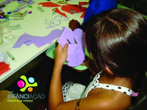 Atividades desenvolvidas pelas crianças com auxílio dos voluntários no AE Fátima