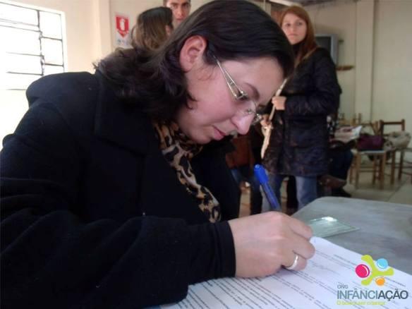 Cláudia assina contrato como Conselheira da ONG
